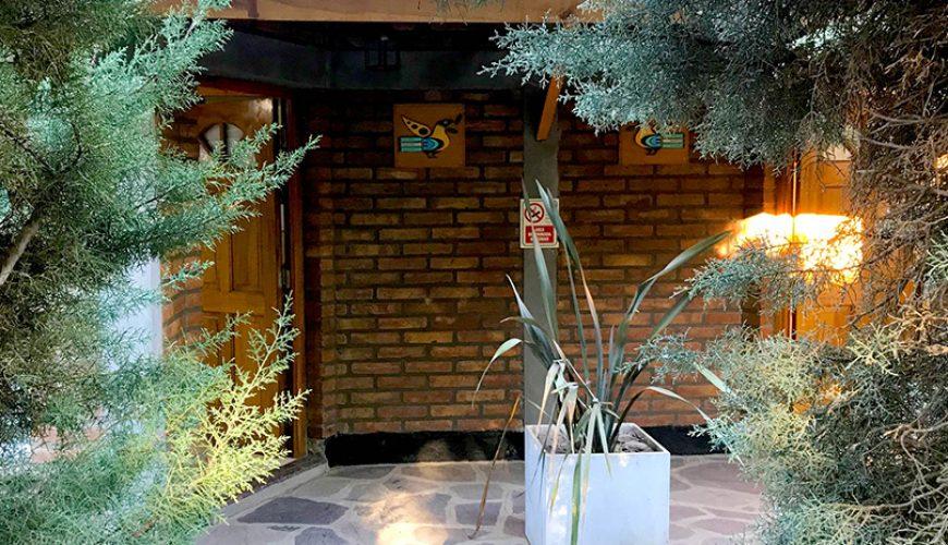 Alojamientos para turismo en Esquel: Dos casas y dos departamentos con todos los servicios y comodidades. Desayuno incluido.